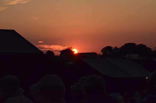 山形由美コンサート終盤の夕焼け