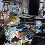 地震被害の自室2